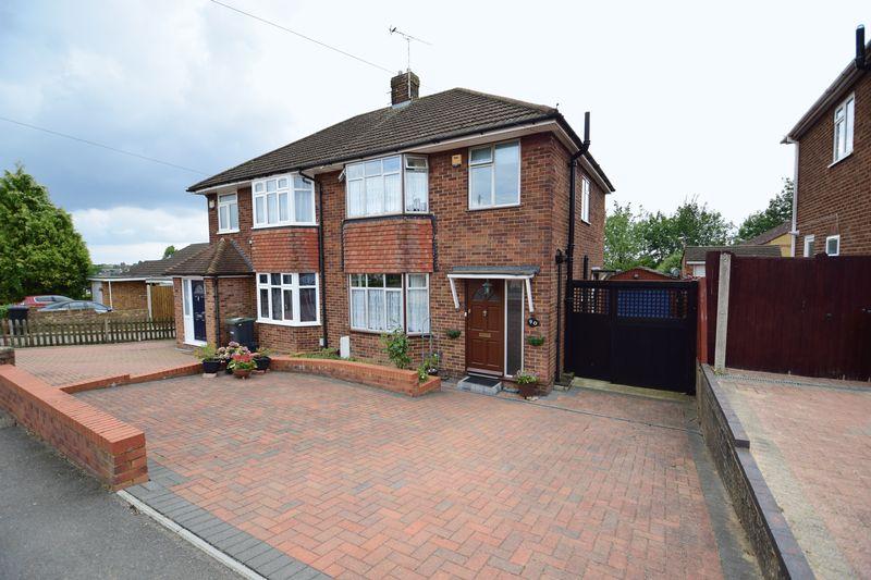 3 bedroom Semi-Detached  to buy in Devon Road, Luton - Photo 18