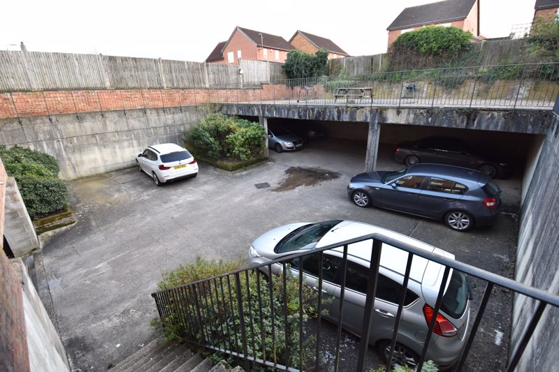 2 bedroom Flat to buy in London Road, Dunstable - Photo 4