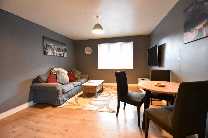 2 bedroom Flat to buy in London Road, Dunstable - Photo 8