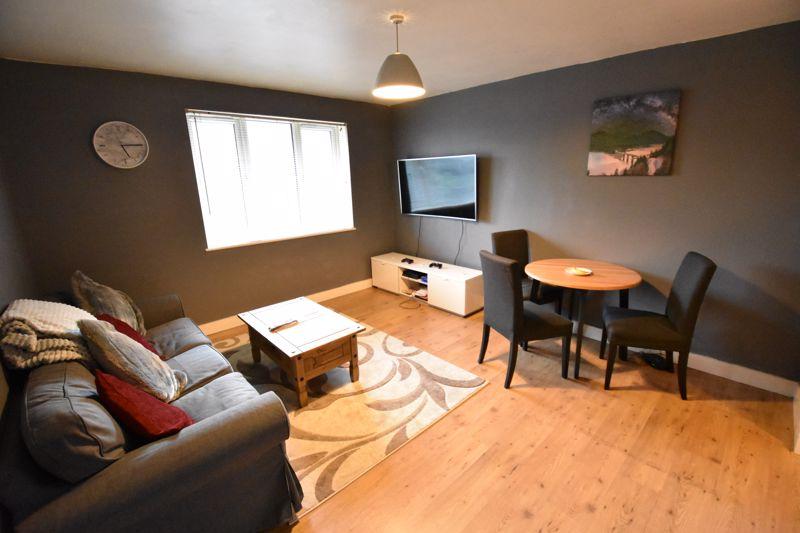 2 bedroom Flat to buy in London Road, Dunstable - Photo 9