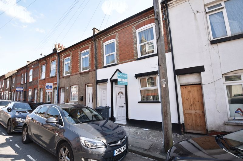 2 bedroom Mid Terrace to rent in Stanley Street, Luton