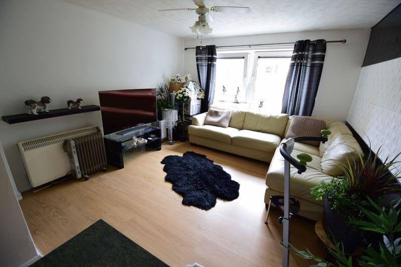 1 bedroom Flat to buy in Hastings Street, Luton - Photo 1