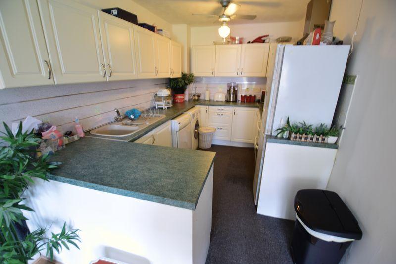 1 bedroom Flat to buy in Hastings Street, Luton - Photo 2