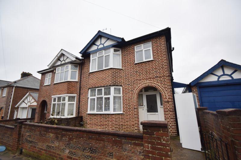 3 bedroom Semi-Detached  to rent in Cowper Street, Luton