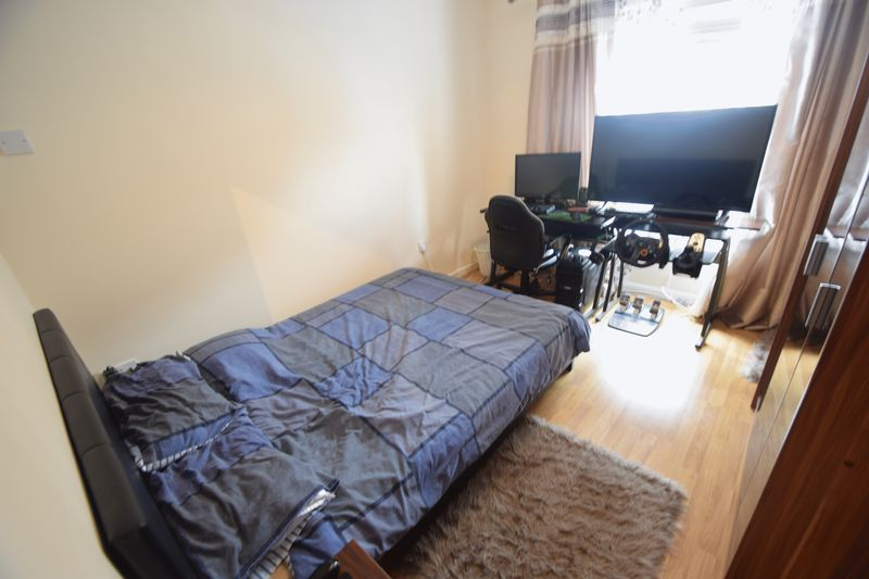 2 bedroom Mid Terrace to rent in May Street, Luton - Photo 8