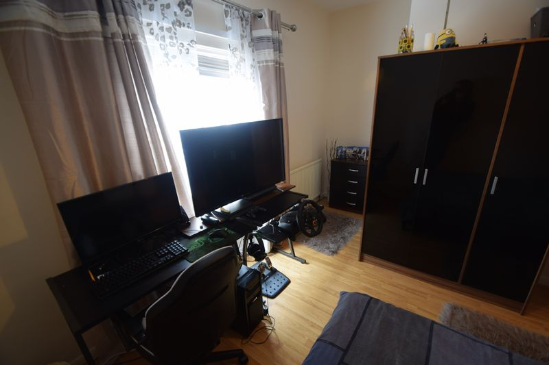 2 bedroom Mid Terrace to rent in May Street, Luton - Photo 9