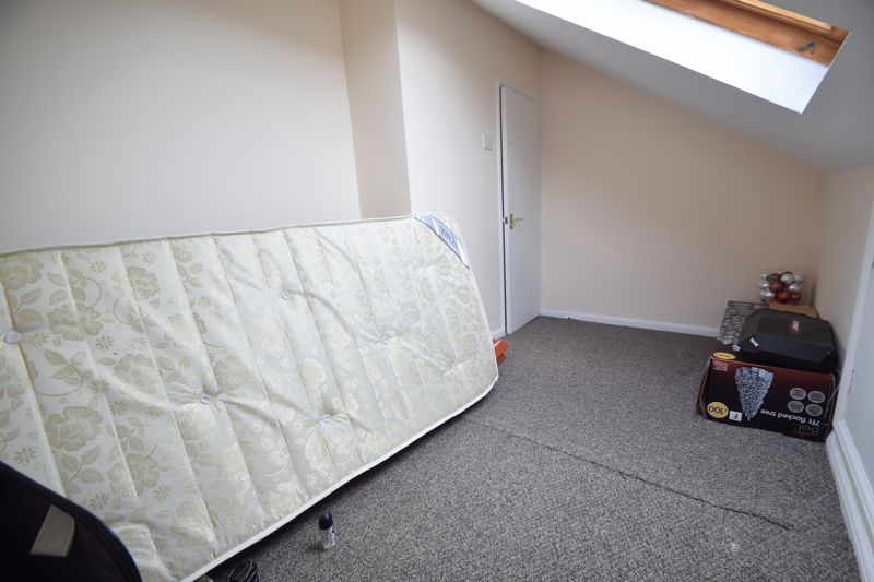 2 bedroom Mid Terrace to rent in May Street, Luton - Photo 11