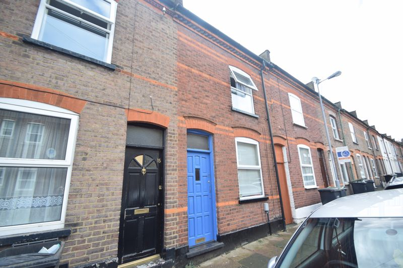 2 bedroom Mid Terrace to rent in May Street, Luton
