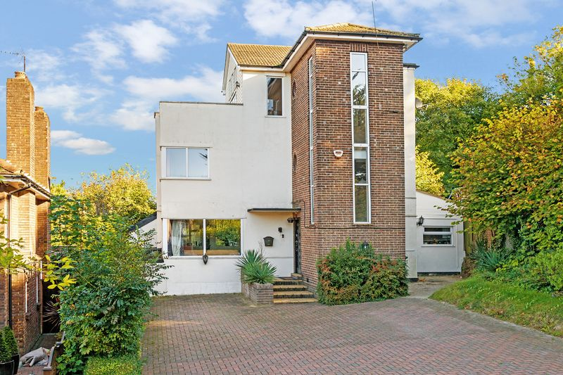 4 bedroom Detached  to buy in Stockingstone Road, Luton