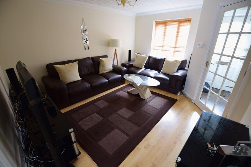 3 bedroom Semi-Detached  to buy in The Belfry, Luton - Photo 1