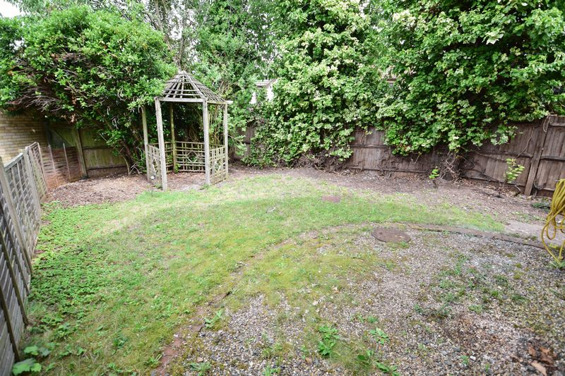 3 bedroom Semi-Detached  to buy in The Belfry, Luton - Photo 10