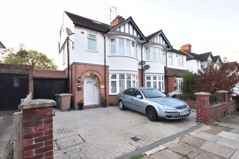 5 bedroom Semi-Detached  to buy in Wychwood Avenue, Luton