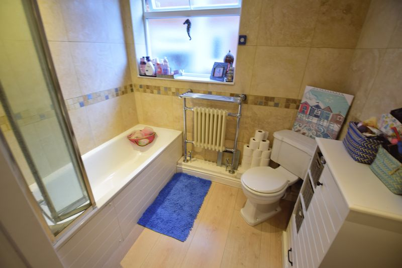 3 bedroom Semi-Detached  to buy in Saywell Road, Luton - Photo 6