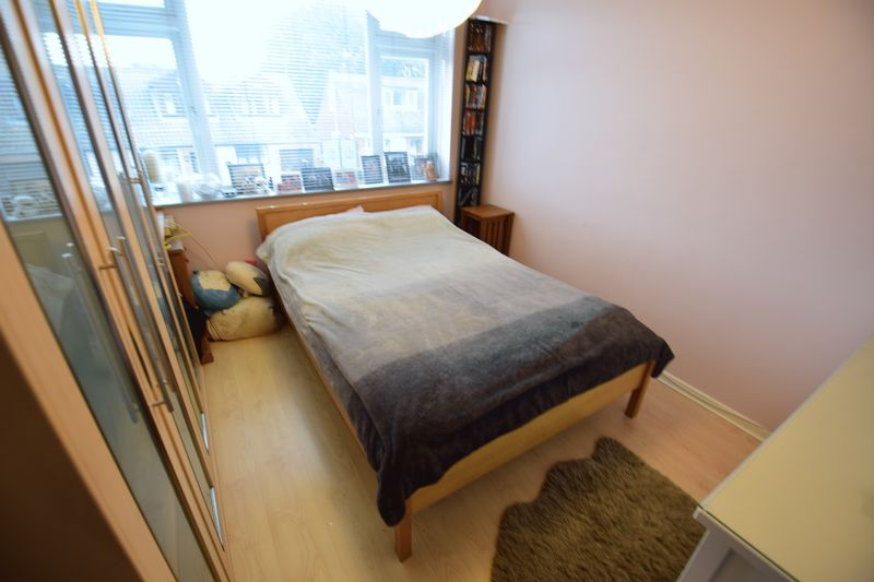 3 bedroom Semi-Detached  to buy in Saywell Road, Luton - Photo 11