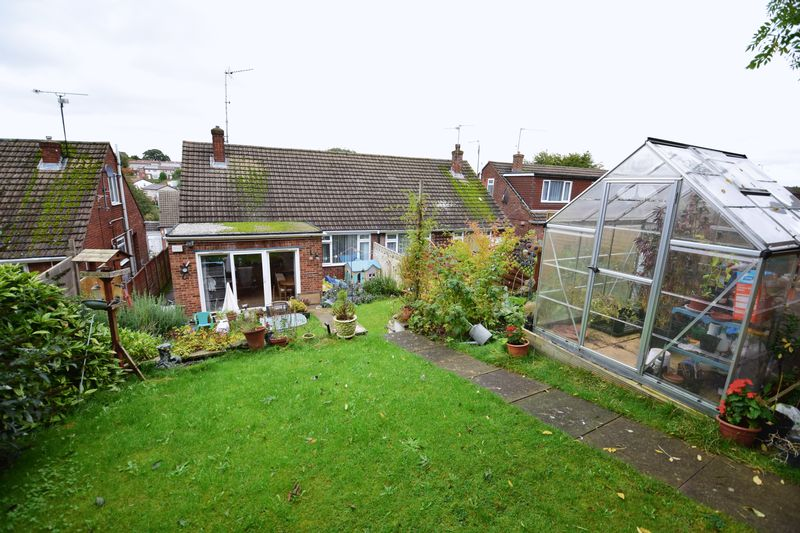 3 bedroom Semi-Detached  to buy in Saywell Road, Luton - Photo 15