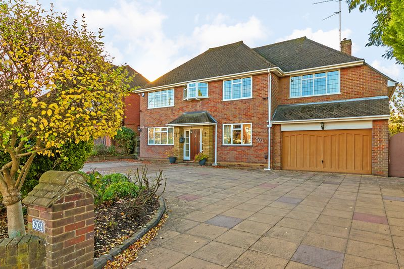 4 bedroom Detached  to buy in Old Bedford Road, Luton