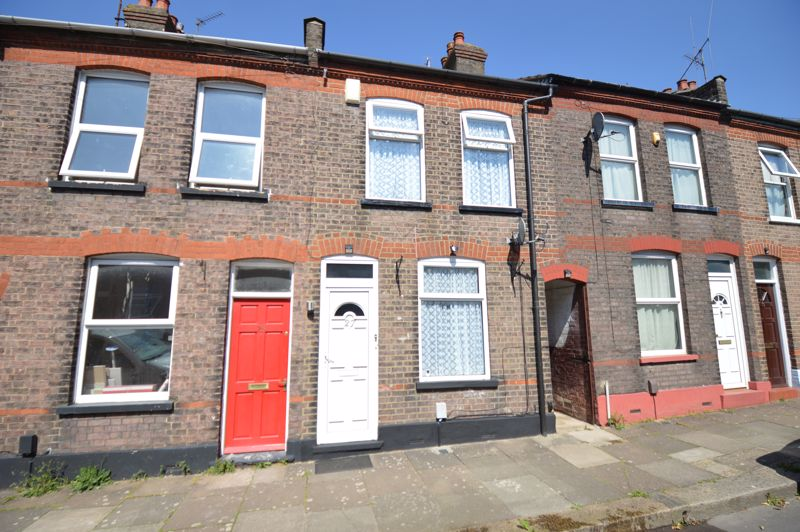 2 bedroom Mid Terrace to buy in St. Pauls Road, Luton