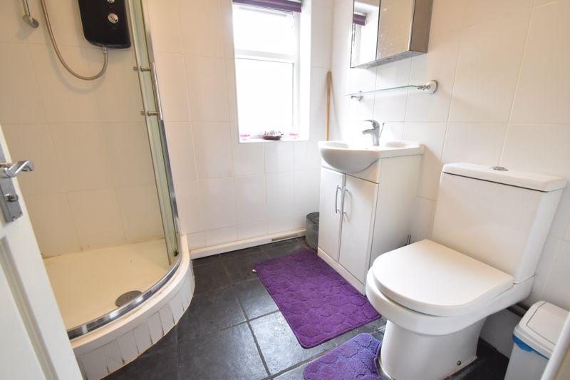 3 bedroom Mid Terrace to buy in Malvern Road, Luton - Photo 7