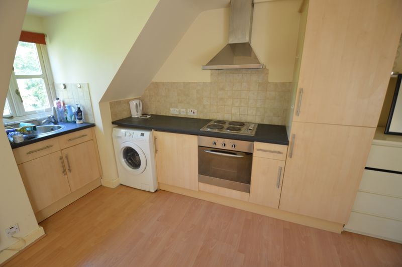 1 bedroom Flat to buy in 2B Downs Road, Luton - Photo 3