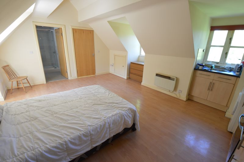 1 bedroom Flat to buy in 2B Downs Road, Luton - Photo 4