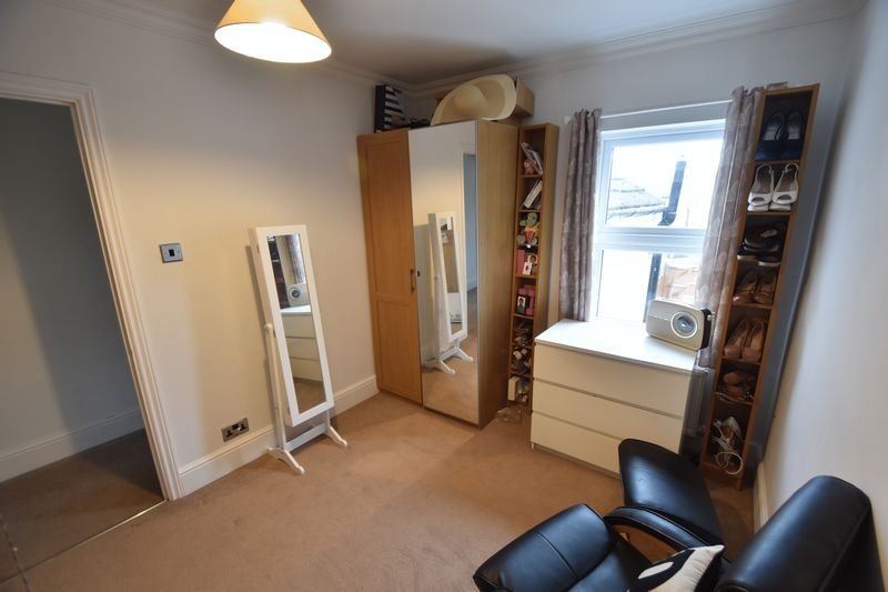 2 bedroom Mid Terrace to buy in Great Northern Road, Dunstable - Photo 6