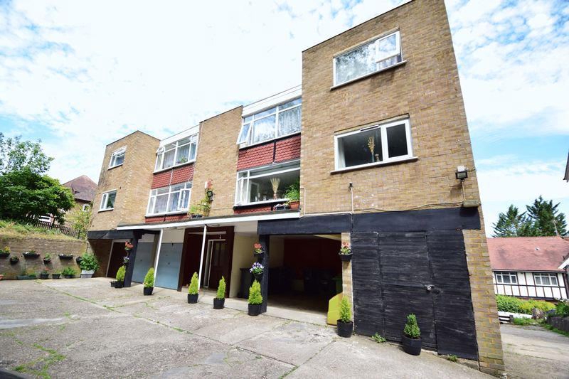 1 bedroom Flat to buy in Downs Road, Luton