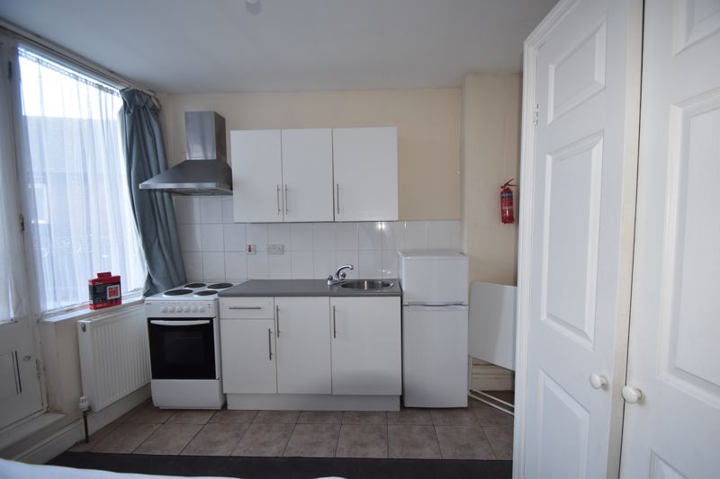 0 bedroom Flat to rent in New Bedford Road, Luton - Photo 2