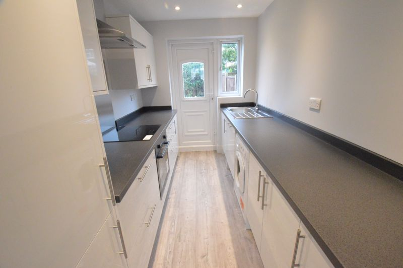 3 bedroom End Terrace to buy in Ryton Close, Luton - Photo 1