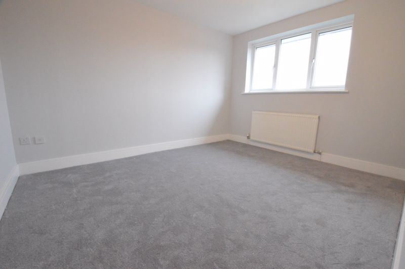 3 bedroom End Terrace to buy in Ryton Close, Luton - Photo 4