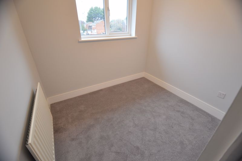 3 bedroom End Terrace to buy in Ryton Close, Luton - Photo 5