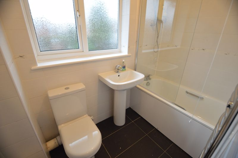 3 bedroom End Terrace to buy in Ryton Close, Luton - Photo 7