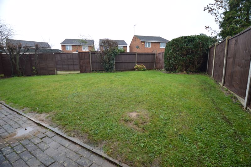 3 bedroom End Terrace to buy in Ryton Close, Luton - Photo 8