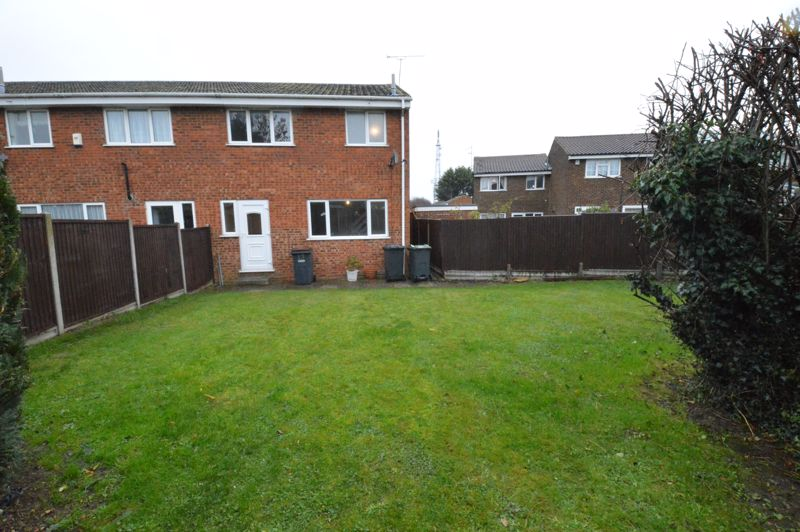 3 bedroom End Terrace to buy in Ryton Close, Luton - Photo 9