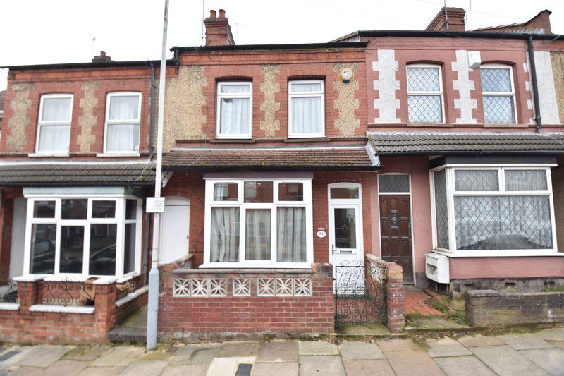 2 bedroom Mid Terrace to buy in Talbot Road, Luton