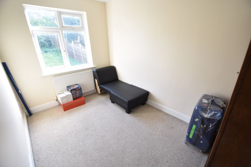 3 bedroom Mid Terrace to rent in Talbot Road, Luton - Photo 6