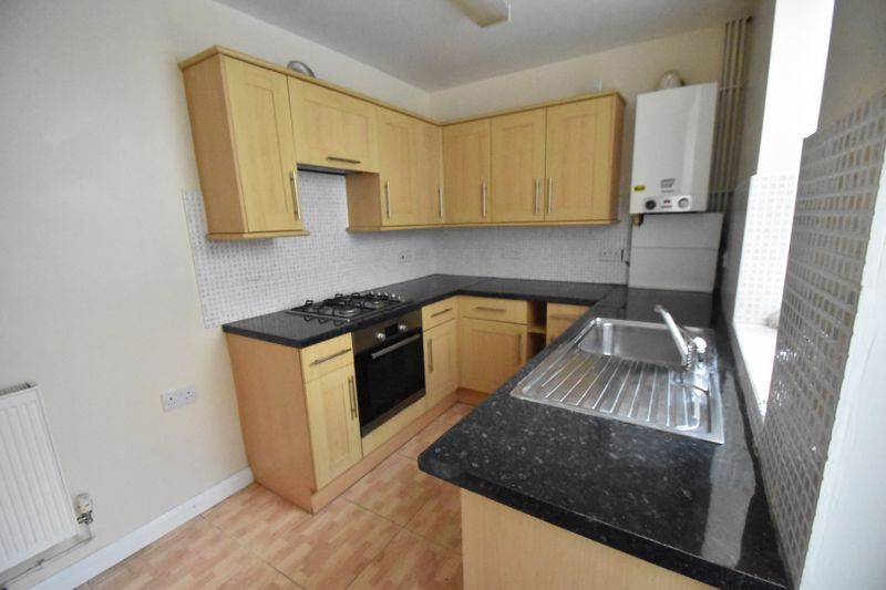 3 bedroom Mid Terrace to rent in Talbot Road, Luton - Photo 15