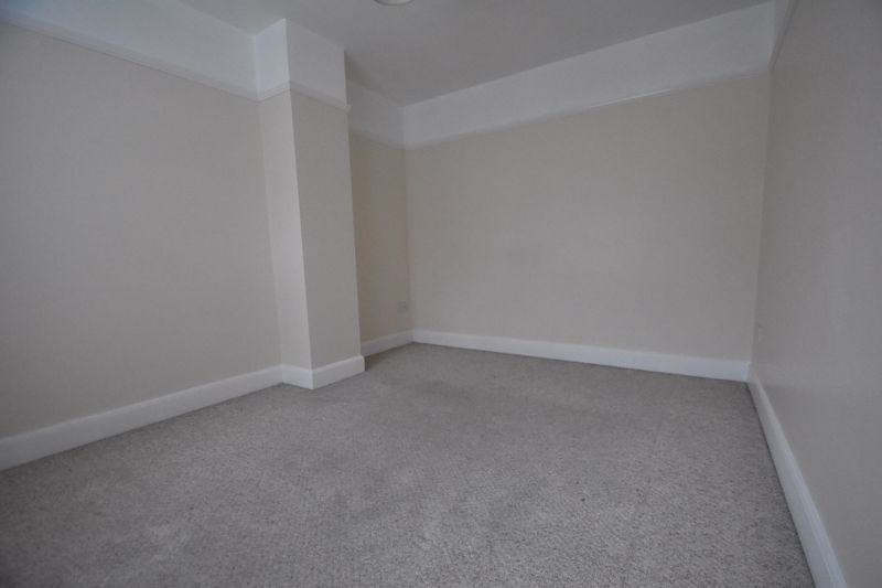 3 bedroom Mid Terrace to rent in Talbot Road, Luton - Photo 19