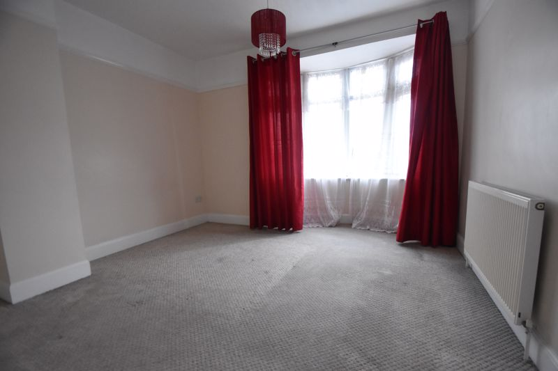3 bedroom Mid Terrace to rent in Talbot Road, Luton - Photo 20