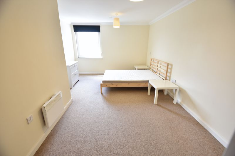 1 bedroom  to buy in Midland Road, Luton - Photo 9