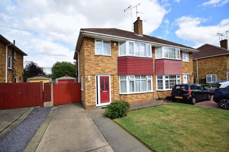 3 bedroom Semi-Detached  to buy in Crowland Road, Luton - Photo 22