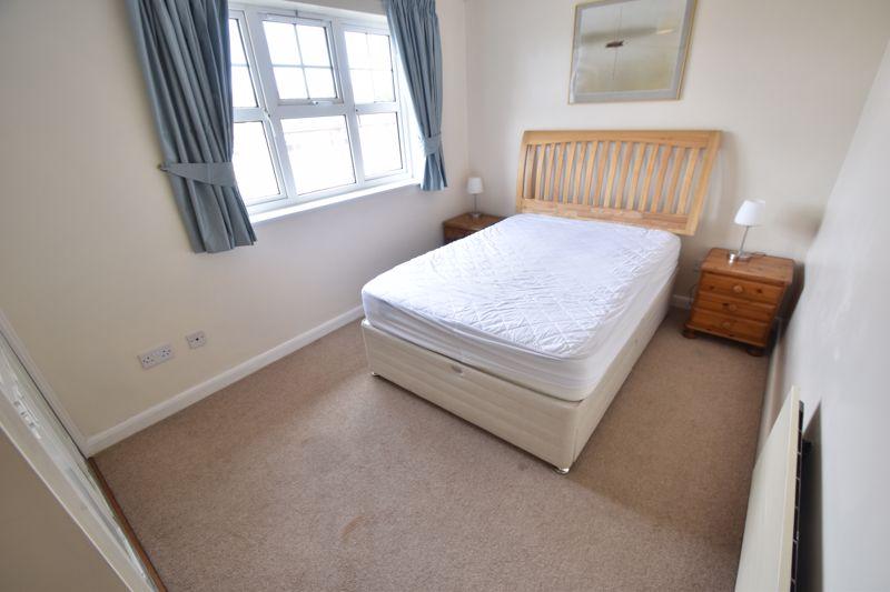 2 bedroom Flat to rent in Earls Meade, Luton - Photo 2