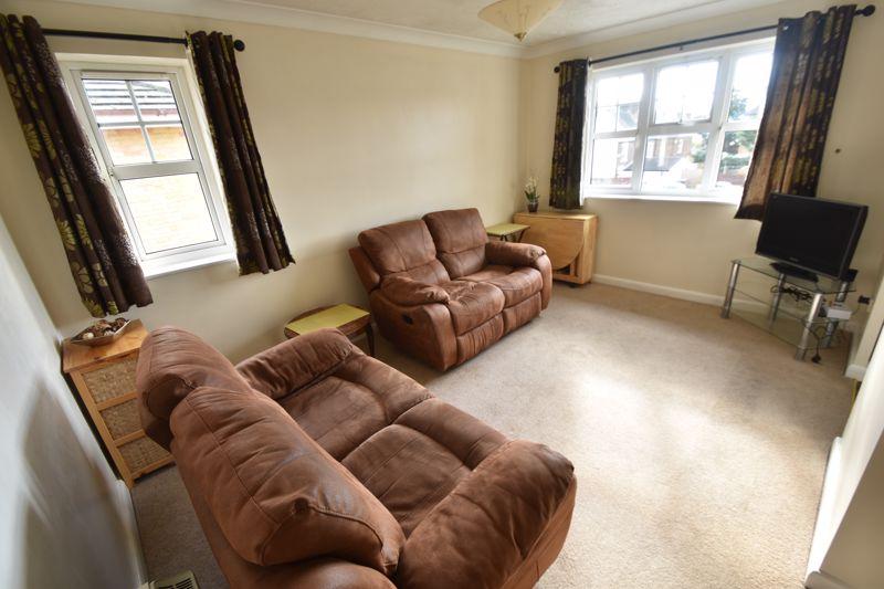2 bedroom Flat to rent in Earls Meade, Luton - Photo 4
