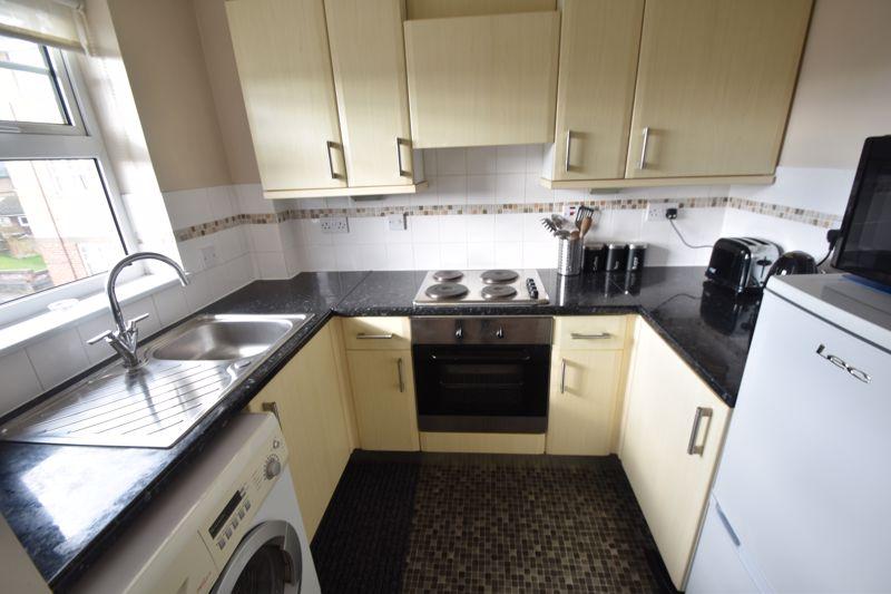 2 bedroom Flat to rent in Earls Meade, Luton - Photo 7