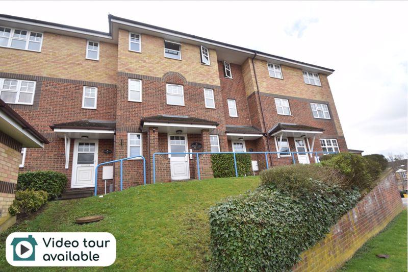 2 bedroom Flat to rent in Earls Meade, Luton