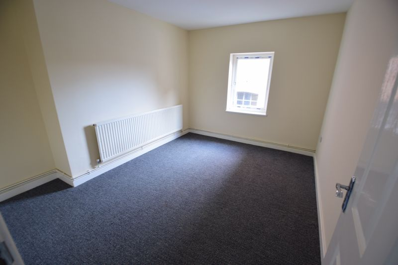 2 bedroom Apartment / Studio to buy in Guildford Street, Luton - Photo 12