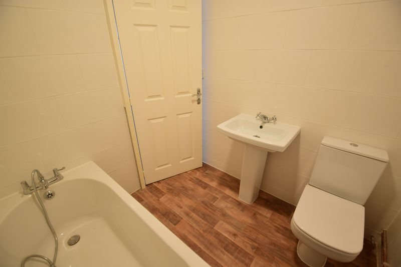 2 bedroom Apartment / Studio to buy in Guildford Street, Luton - Photo 3