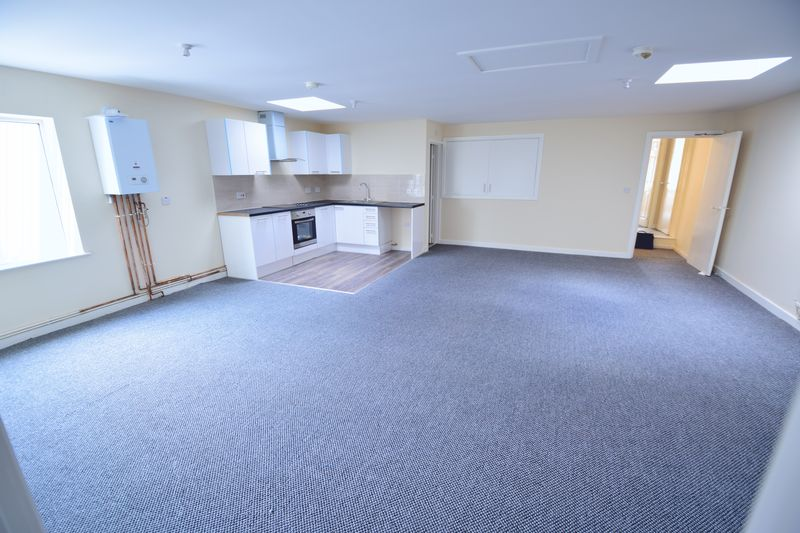 2 bedroom Apartment / Studio to buy in Guildford Street, Luton - Photo 4