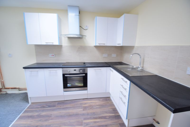 2 bedroom Apartment / Studio to buy in Guildford Street, Luton - Photo 5