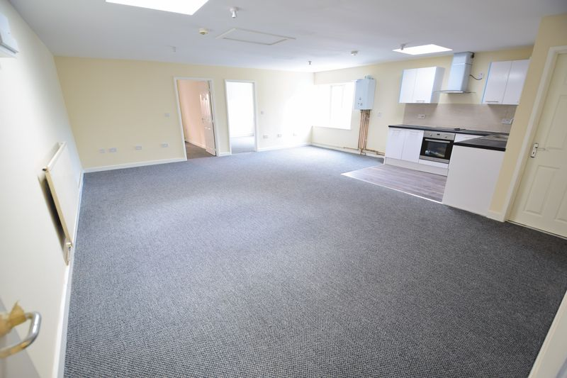 2 bedroom Apartment / Studio to buy in Guildford Street, Luton - Photo 6