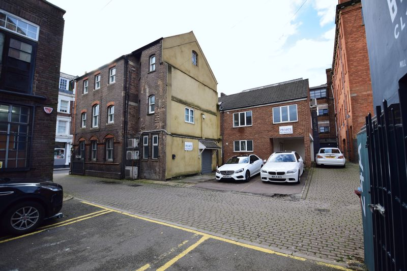 2 bedroom Apartment / Studio to buy in Guildford Street, Luton - Photo 10